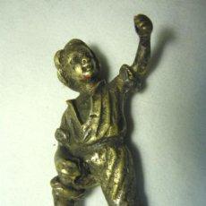 Antigüedades: PEQUEÑO NIÑO DE BRONCE (SERIA PARTE DE ALGUNA ESCULTURA). Lote 31167213