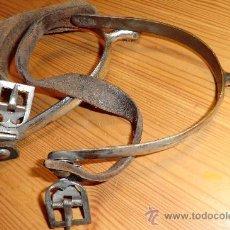 Antigüedades: ESPUELAS DE MONTAR, CINTAS DE CUERO.. Lote 31270846
