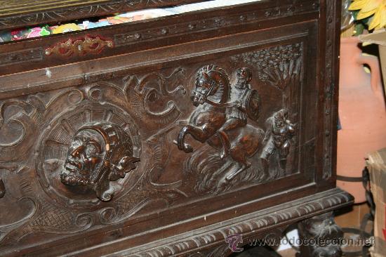 Antigüedades: antigua arca estilo frances con dibujos en relieve - Foto 3 - 31271150