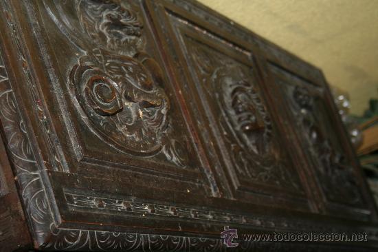 Antigüedades: antigua arca estilo frances con dibujos en relieve - Foto 4 - 31271150