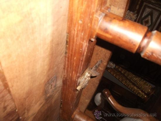 Antigüedades: mesa de comedor isabelina de nogal sxix - Foto 3 - 27219499