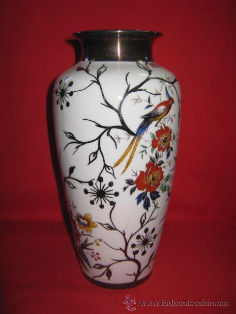 delicado jarrn con decoracin en plata de ley bohemia jn barcelona antigedades porcelanas