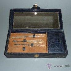 Antigüedades: ANTIGUO ESTUCHE DE MANICURA DE VIAJE. . Lote 31405726