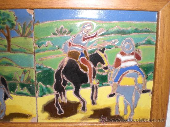 Antigüedades: BONITA PAREJA DE AZULEJOS ENMARCADOS DE TRIANA,(SEVILLA),ESCENAS DEL QUIJOTE - Foto 3 - 31375630