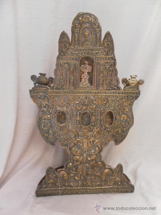 Antigüedades: Custodia – Relicario. Siglo XVIII. Metal plateado y madera. - Foto 5 - 31473790