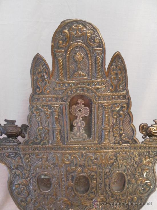 Antigüedades: Custodia – Relicario. Siglo XVIII. Metal plateado y madera. - Foto 6 - 31473790