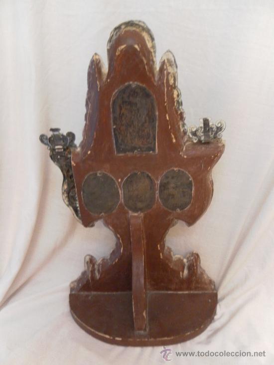 Antigüedades: Custodia – Relicario. Siglo XVIII. Metal plateado y madera. - Foto 20 - 31473790