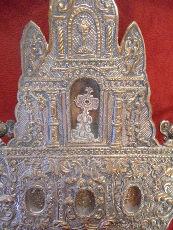 Antigüedades: Custodia – Relicario. Siglo XVIII. Metal plateado y madera. - Foto 2 - 31473790