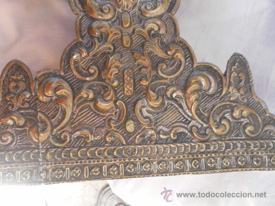Antigüedades: Custodia – Relicario. Siglo XVIII. Metal plateado y madera. - Foto 19 - 31473790