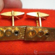 Antigüedades: PRECIOSOS GEMELOS VINTAGE METAL DORADO AÑOS 1960 SIN USAR. Lote 31559209
