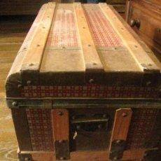 Antigüedades: BAUL GRANDE DE MADERA Y METAL . Lote 31581354