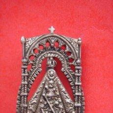 Antigüedades: MEDALLA -TIPO ALFILER- EN PLATA DE LA V. DE LA SIERRA DE CABRA. FINALES S. XIX. 4,5 CMS DE LONG. . Lote 31650281