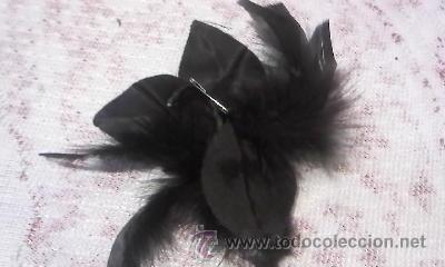 Antigüedades: Precioso tocado o broche con plumas y hojas de tela brillante. - Foto 3 - 31672806