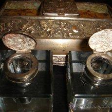 Antigüedades: ANTIGUA ESCRIBANÍA, PRINCPIOS DEL SIGLO XX, MOTIVOS MITOLÓGICOS EN RELIEVE, PLATA, 24X16CM. Lote 31719848