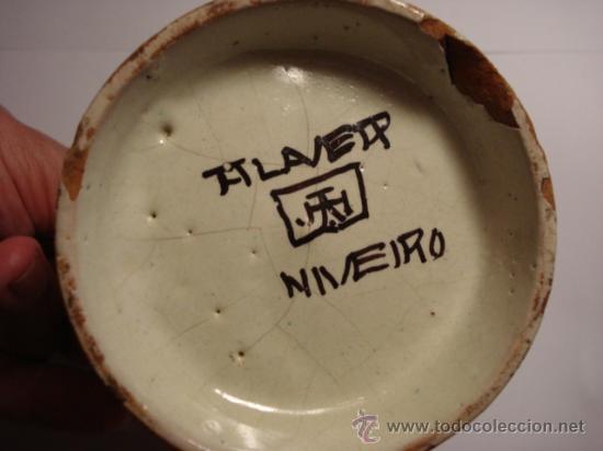 Antigüedades: TALAVERA NIVEIRO PRECIOSA JARRA PINTADA A MANO - ARBOLES Y PAJARO 11 X 8 CM - Foto 3 - 31739437