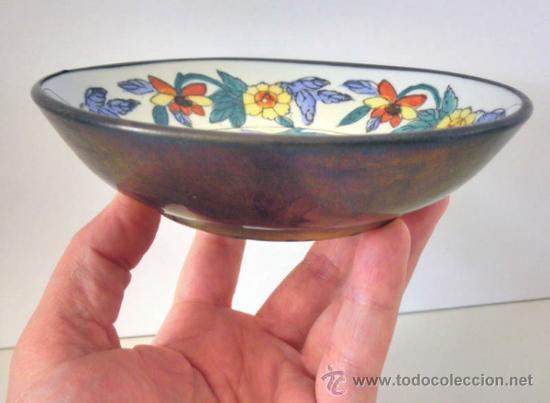 PLATO EN PORCELANA CON SELLO * ENMARCADO LATON * VINTAGE * 15CM (Antigüedades - Porcelanas y Cerámicas - Otras)