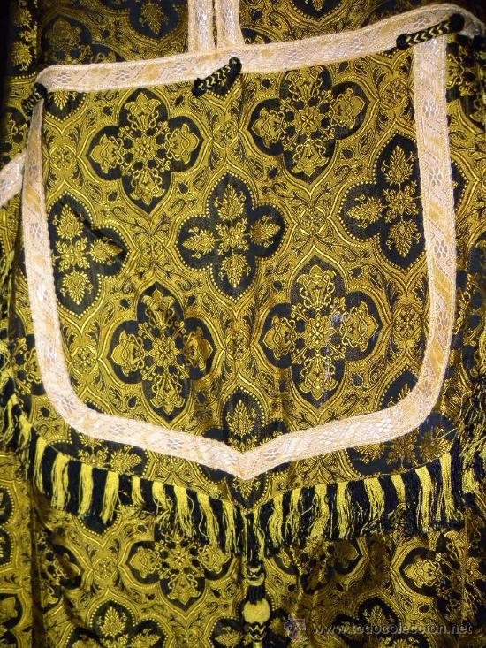 Antigüedades: Capa Pluvial negra con capillo palmetas amarillas broche metalico para liturgia católica - Foto 6 - 31782936