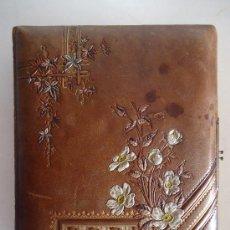 Antigüedades: ALBUM DE FOTOGRAFIAS EN PIEL CON DECORACION FLORAL. SIGLO XIX. 16 HOJAS DEDICATORIA EN INGLES 1893. Lote 31820709