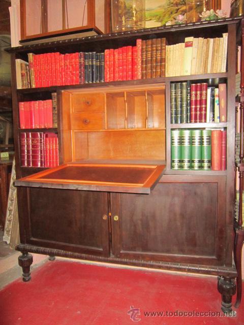 ESTUPENDA VITRINA ESCRITORIO CASTELLANO EN MADERA DE NOGAL. (Antigüedades - Muebles Antiguos - Vitrinas Antiguos)