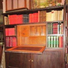 Antigüedades: ESTUPENDA VITRINA ESCRITORIO CASTELLANO EN MADERA DE NOGAL.. Lote 27026096