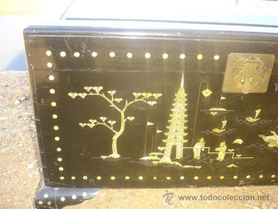 Antigüedades: arca oriental lacado con incrustaciones en nacar - Foto 3 - 31845206