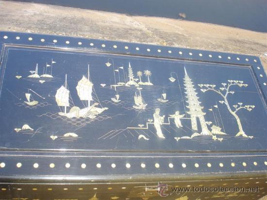 Antigüedades: arca oriental lacado con incrustaciones en nacar - Foto 4 - 31845206