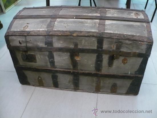 Antiguo Baul De Madera Y Tela Comprar Baules Antiguos En - Baules-antiguos