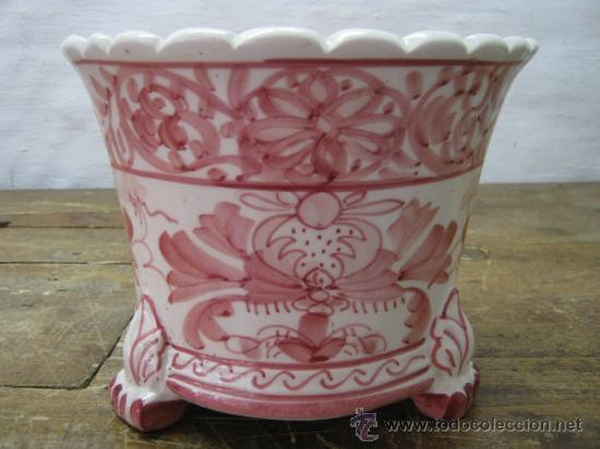 ANTIGUO MACETERO JARDINERA SERIE RAMILLETES ROSA - RESTAURADO (Antigüedades - Porcelanas y Cerámicas - Talavera)