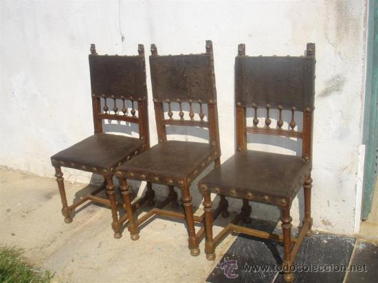 3 SILLAS DEL RENACIMIENTO, CON CABEZAS TALLADAS EN LOS RESPALDO (Antigüedades - Muebles Antiguos - Sillas Antiguas)