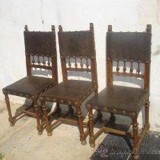 Antigüedades: 3 SILLAS DEL RENACIMIENTO, CON CABEZAS TALLADAS EN LOS RESPALDO. Lote 31918507