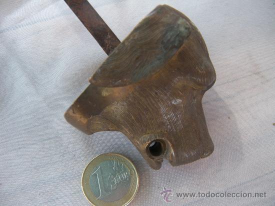 Antigüedades: ANTIGUA CABEZA DE PERRO EN BRONCE. CLAVO PASADOR. S. XIX - Foto 4 - 31945553