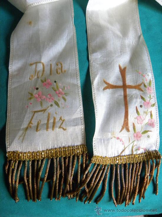 Antigüedades: Estola ( no lazo ) primera comunion bordado en hilo de oro un caliz y pintura flores y cruz - Foto 4 - 87097659