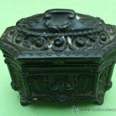 Antigüedades: ANTIGUO JOYERO DE CALAMINA.. Lote 31958223