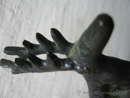 Antigüedades: antigua campana metal con ciervo - replica arqueologia - Foto 2 - 31985169
