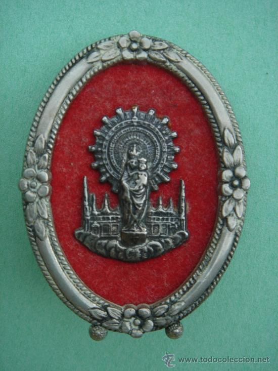 MEDALLA RELIGIOSA DE SOBREMESA ANTIGÜA EN PLATA (N.S. DEL PILAR). 21 GRS. DE PESO. (Antigüedades - Religiosas - Medallas Antiguas)