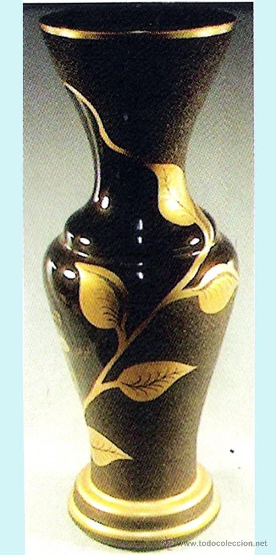 JARRON DE CRISTAL DE -MURANO- DOBLE TECNICA, PINTADO A MANO EN ORO 24 KTES.TEMA HOJAS. 55 CM.FIRMADO (Antigüedades - Cristal y Vidrio - Murano)