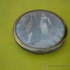 Antigüedades: POLVERA DE METAL Y FOTOGRAFIAS. Lote 32050721