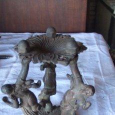 Antigüedades: TRES FIGURAS DE BONCE. LUZ. LAMPARA. 20 CM. 13 CM DE ANCHO. PRECIOSAS. DE PESO. . Lote 32145066