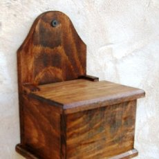 Antigüedades: SALERO DE MADERA , UTENSILIO DE COCINA MUEBLE ,, MUE365. Lote 48746270