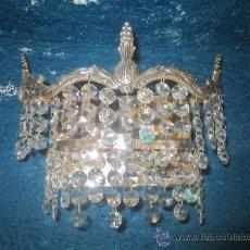 Antigüedades: BONITO APLIQUE EN METAL PLATEADO CON CRISTALES.. Lote 32210375