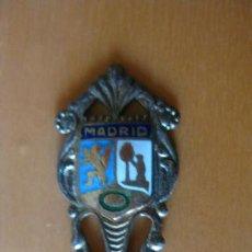 Antigüedades: CUCHARITA DE PLATA DE MADRID. PEQUEÑA CUCHARA PLATA ESCUDO MADRID. Lote 32220978
