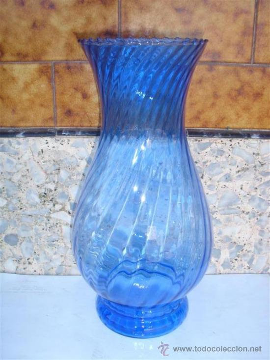 FLORERO DE CRISTAL AZUL (Antigüedades - Cristal y Vidrio - Otros)