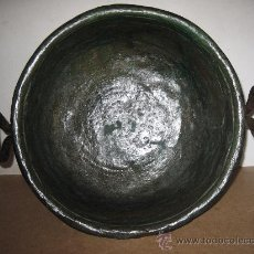 Antigüedades: CALDERO DE COBRE ANTIGUO, CON DOS ASAS DE HIERRO FORJADO. Lote 32288093