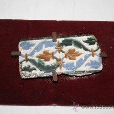 Antigüedades: IMPRESIONANTE AZULEJO DEL S.XIV, XV O XVI - DE INFLUENCÍA MUDEJAR - TÉCNICA ARISTA. Lote 32406255