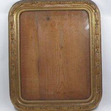 Antigüedades: MARCO DORADO PARA FOTOGRAFÍA, 1860'S. 42X53 CM. LUZ: 34X43 CM.. Lote 32463163