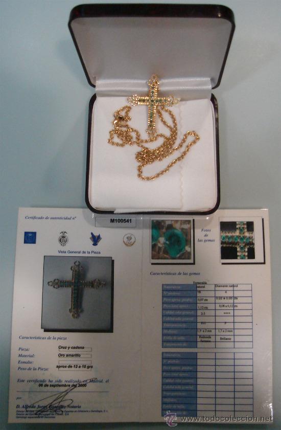 CRUZ DE ORO C/ 4 DIAMANTES NATURALES Y 16 ESMERALDAS. (Antigüedades - Religiosas - Cruces Antiguas)
