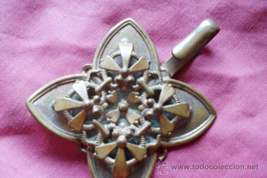 Antigüedades: BROCHE METAL DORADO MODERNISTA - Foto 3 - 32494464
