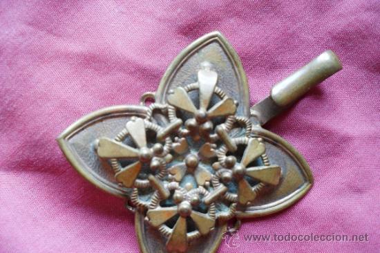 Antigüedades: BROCHE METAL DORADO MODERNISTA - Foto 2 - 32494464