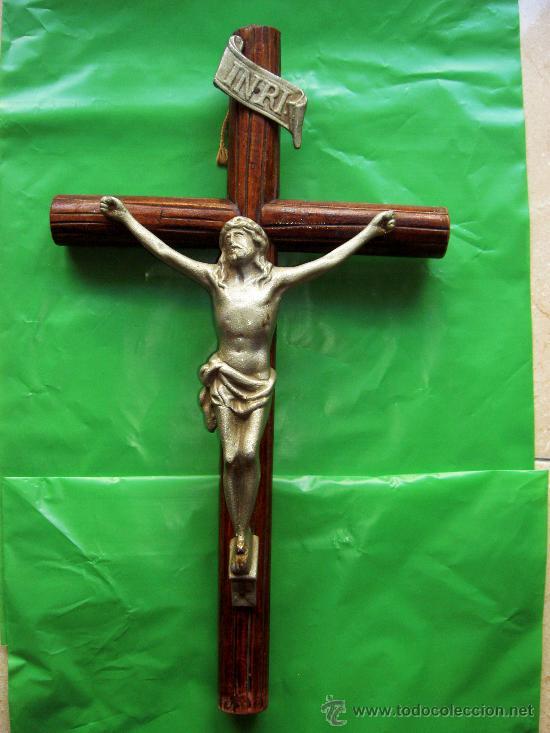 CRUCIFIJO MADERA Y METAL. CRUCIFICADO (Antigüedades - Religiosas - Crucifijos Antiguos)