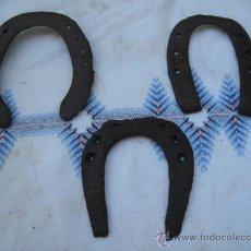Antigüedades: LOTE DE 3 ANTIGUAS HERRADURAS METALICAS DIFERENTES... Lote 32563031